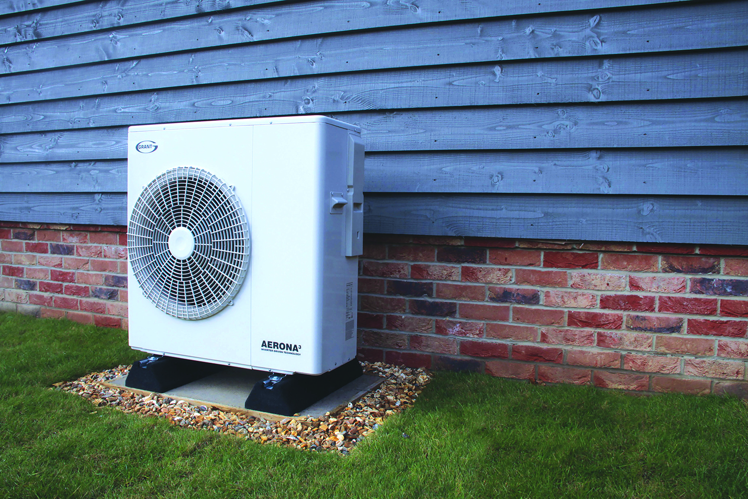 Aerona³ heat pump range offers exceptional home heating efficiencies at low temperatures